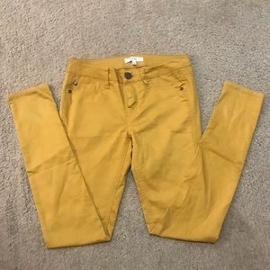 Yellow skinny jeans